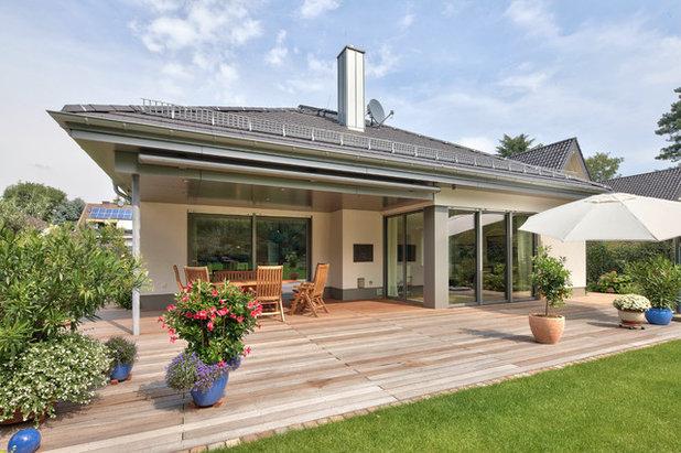 Contemporary Terrace by Schöpf + Partner