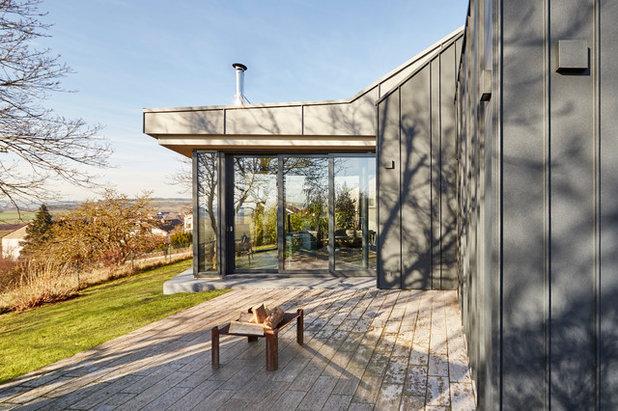 Modern Terrasse by BACHMANNVANAAKEN ARCHITEKTEN