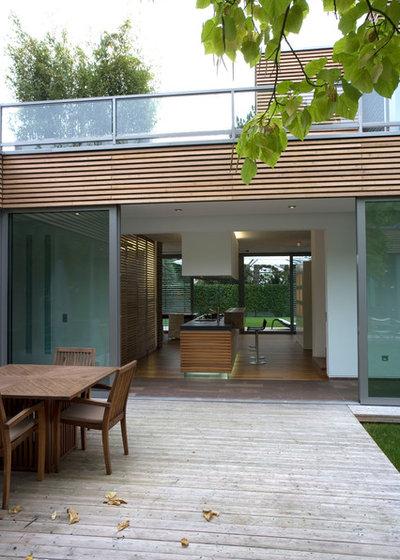 Modern Terrasse by Strobl Architekten