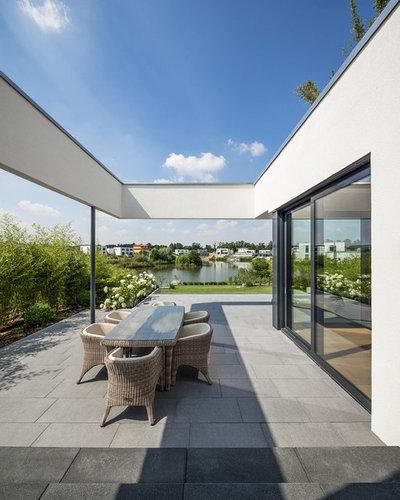 Modern Deck by Planungsbüro Wehmeyer