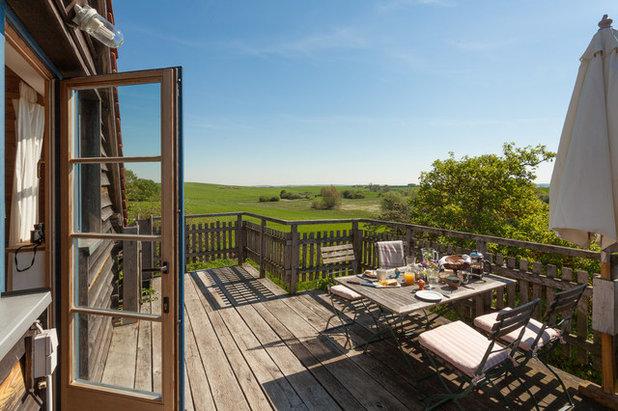 Farmhouse Deck by Björn Schumann Architekturfotograf