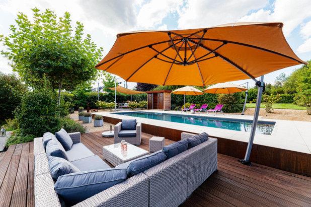 Modern Terrasse by GIFFEL GMBH - GARTEN.POOL