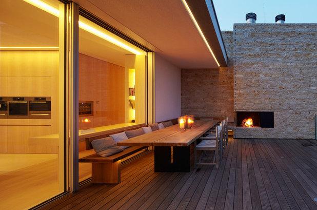 Skandinavisch Terrasse by Stephan Maria Lang Architektur