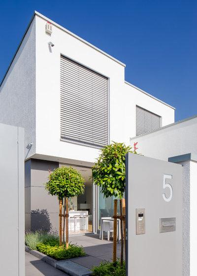 Modern Terrasse by Ferreira   Verfürth Architekten