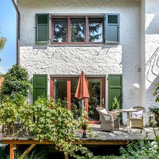 Unbedeckte, Große Mediterrane Terrasse hinter dem Haus in München