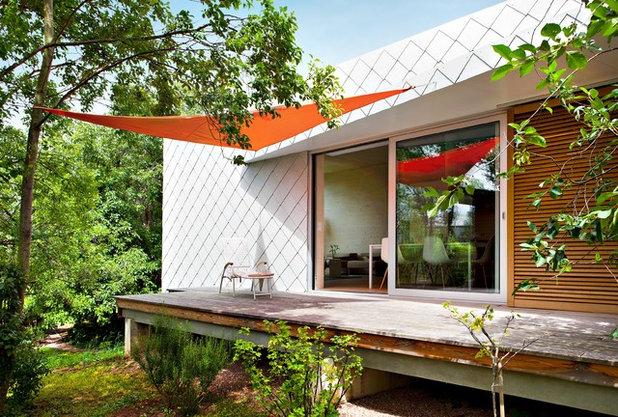 Contemporary Terrace by DANKE Architekten
