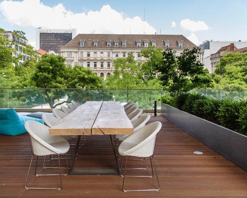 Große, Unbedeckte Moderne Dachterrasse In Berlin