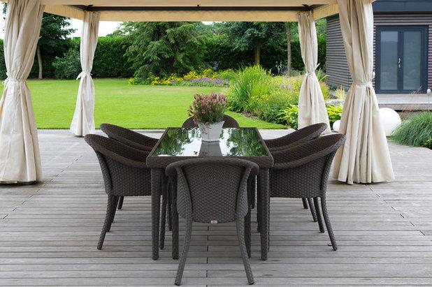 Traditional Deck by Gartengestaltung Ralf Grothe GmbH