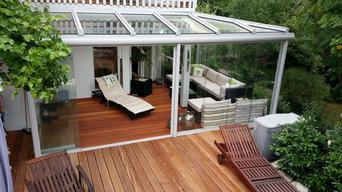 Sommergarten mit Ganzglasschiebetüren
