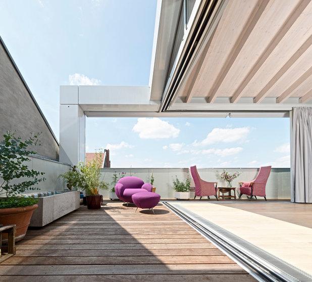 Contemporary Terrace by HS Architekten BDA