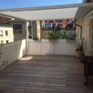 75 Most Popular Traditional Deck With An Awning Design Ideas