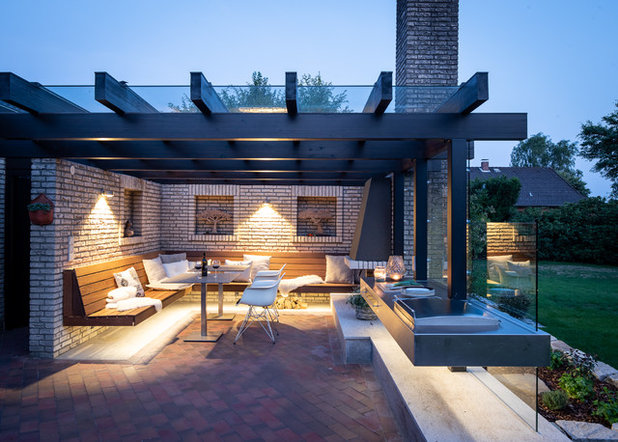 Contemporary Terrace by schulz.rooms