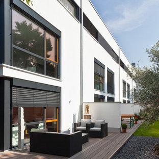 Unbedeckte, Große Moderne Terrasse Hinter Dem Haus In Köln