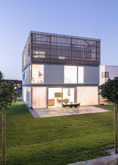 Minimalistisch Terrasse by büro für bauform