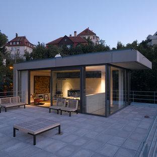 Idées déco pour une terrasse moderne avec aucune couverture.