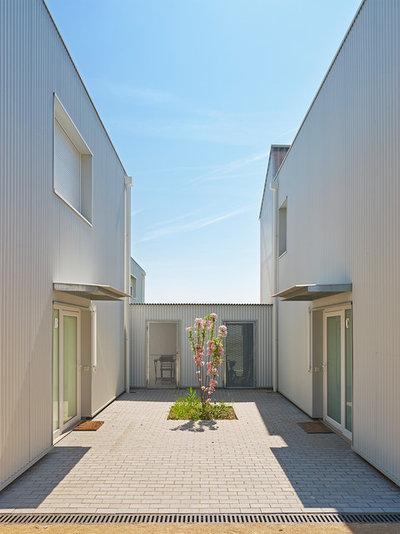 Minimalistisch Terrasse by Achim Birnbaum Architektur Fotografie