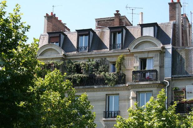 Moderne Terrasse by Altan Alferne