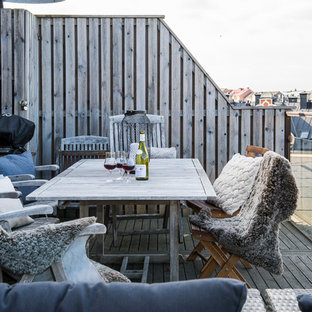 Deck - mid-sized scandinavian deck idea in Stockholm with no cover