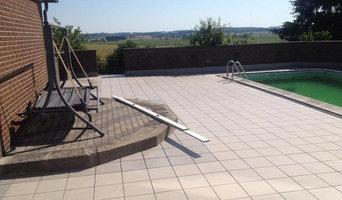 Lægning af fliser omkring pool