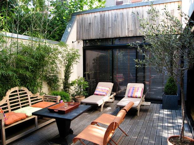 Contemporary Deck by Studio d'Architecture Nadege Guido