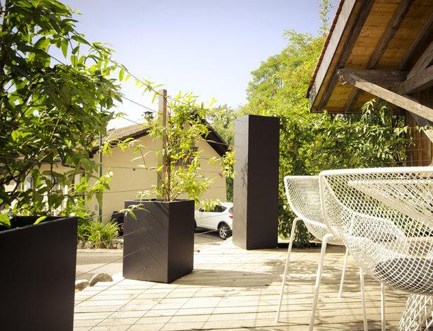classique chic terrasse en bois by bacs imagein - Comment Cacher Le Vis A Vis Sur Une Terrasse