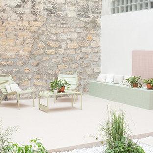 Esempio di un patio o portico stile shabby