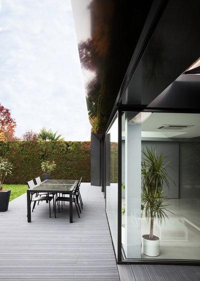 extension de la semaine 20 m transforment une maison ann es 80. Black Bedroom Furniture Sets. Home Design Ideas