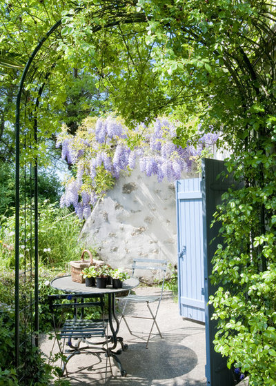 French Country Terrasse et Patio by Catherine Sandin