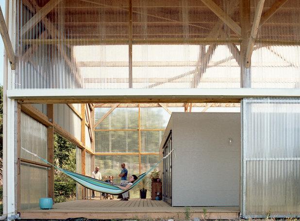 Architecture grand espace petit budget dans une maison hangar - Amenagement hangar en habitation ...