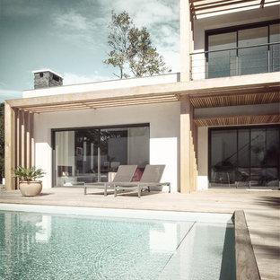 Inspiration pour une terrasse design de taille moyenne.