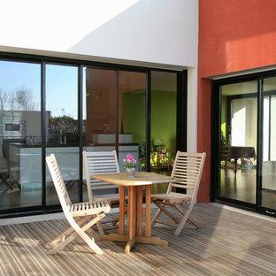 Idées déco pour une terrasse classique de taille moyenne avec aucune couverture.
