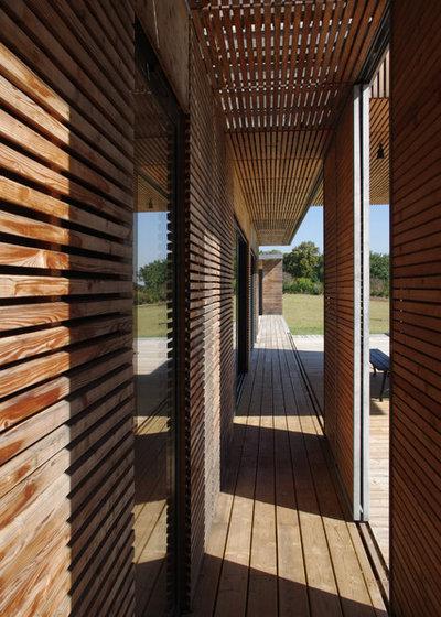 Contemporary Deck by François Primault architecte