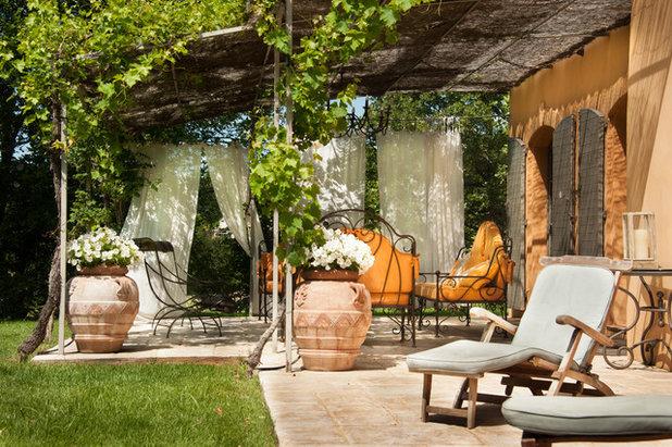 houzz tv 158 scorci da sogno che celebrano l estate nel mondo. Black Bedroom Furniture Sets. Home Design Ideas