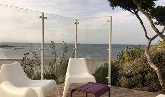 Pare-vent en verre sans cadre réalisé sur l'île de  Noirmoutier.