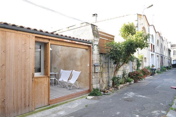 Moderne Terrasse et Patio by FABRE/deMARIEN