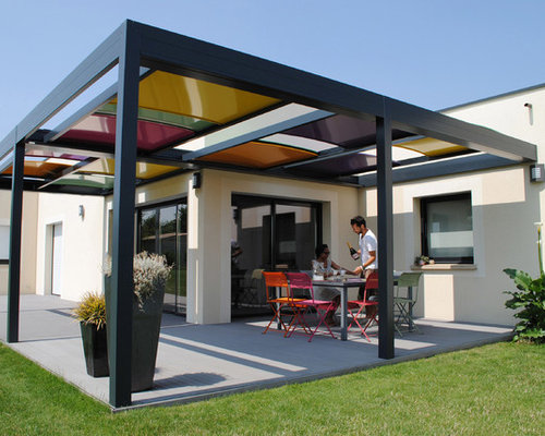 Photos et id es d co de terrasses en bois ou composite contemporaines avec une pergola for Idee terrasse contemporaine