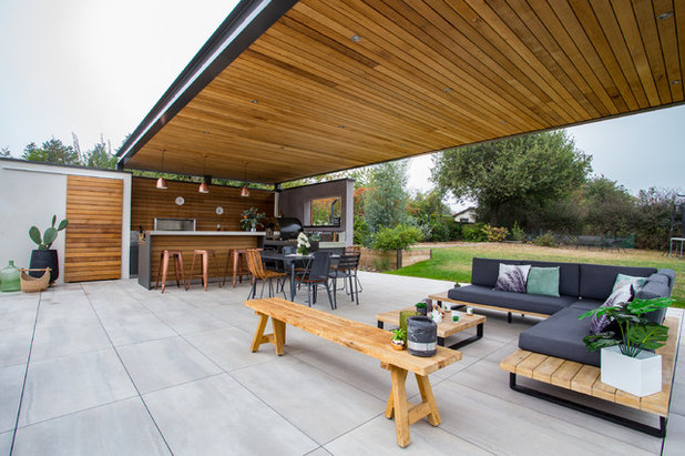 Contemporary Patio by Nuance[s]