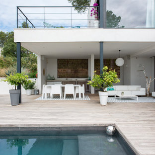 Contemporary deck in Montpellier.