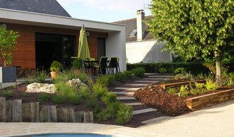 Talus reliant terrasse et piscine