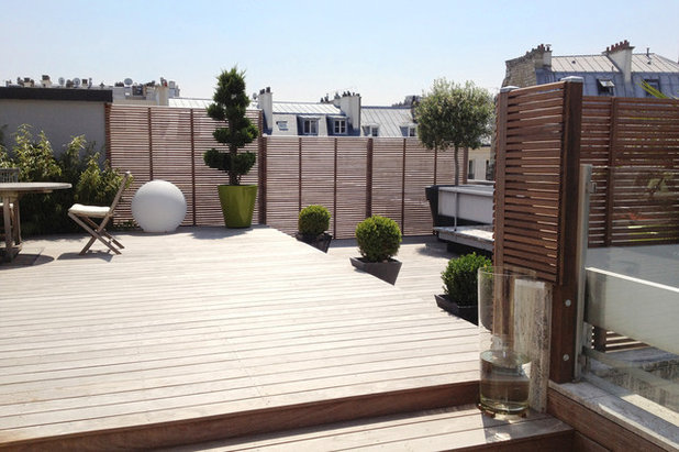 Contemporary Deck by PANORAMA Terrasses