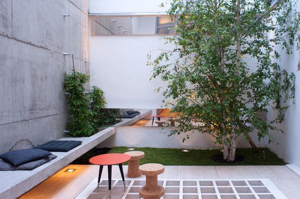 Contemporain Terrasse et Patio by Isabelle Rouyer Architectures & Design