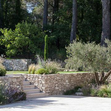 VENELLES - Jardin provençal en restanques