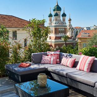 Réalisation d'un toit terrasse sur le toit méditerranéen avec aucune couverture.