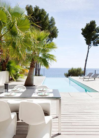 Contemporáneo Terraza y balcón by frederique legon pyra  architecte