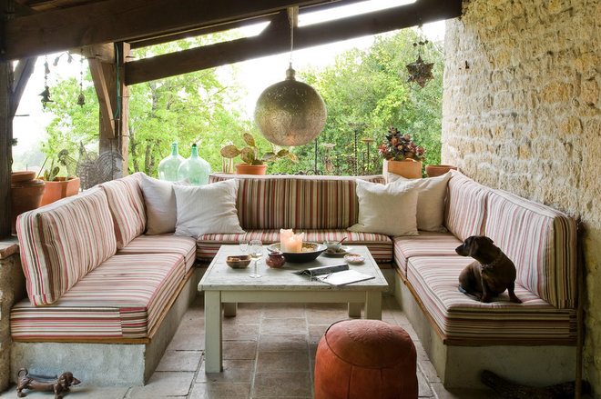Farmhouse Patio by Julien CLAPOT