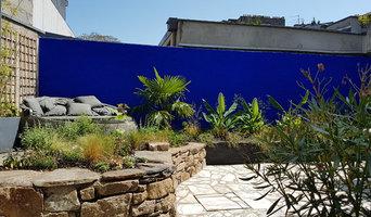 vue sur le mur Bleu Klein