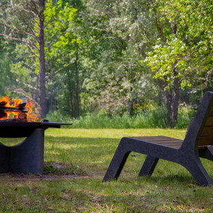 Danish deck photo in Moscow with a fire pit