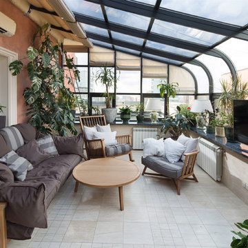 Двухуровневая квартира с зимним садом.