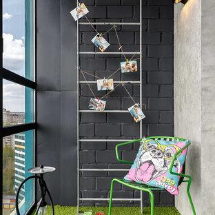 Idéer för att renovera ett litet funkis uterum, med tak och grönt golv