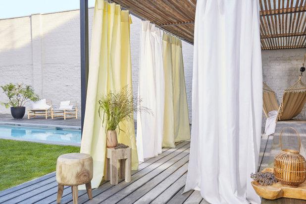 Современный Застекленная терраса by Дом CARO интерьерные ткани